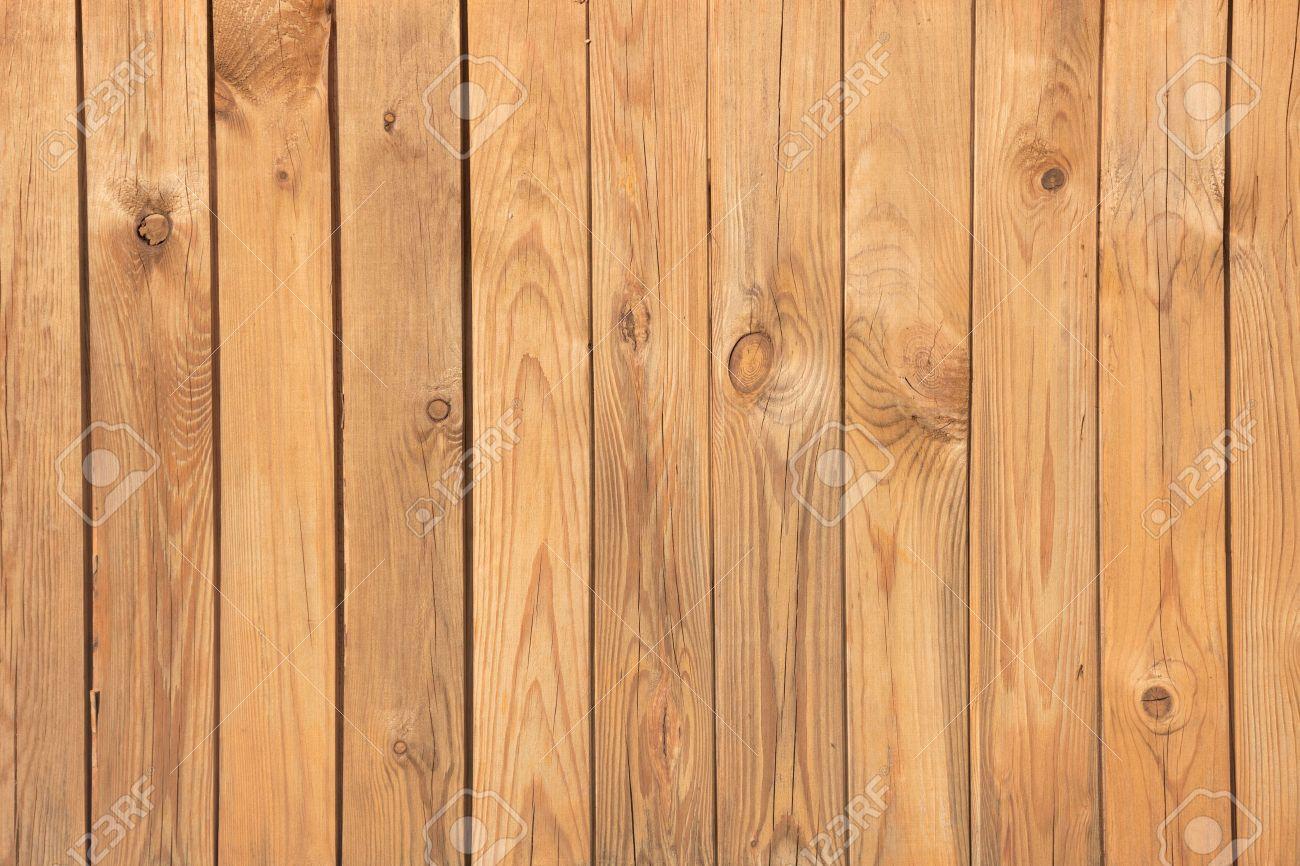 5492177 de superficie de una pared cubierta con tablas de - Forrar pared de madera ...